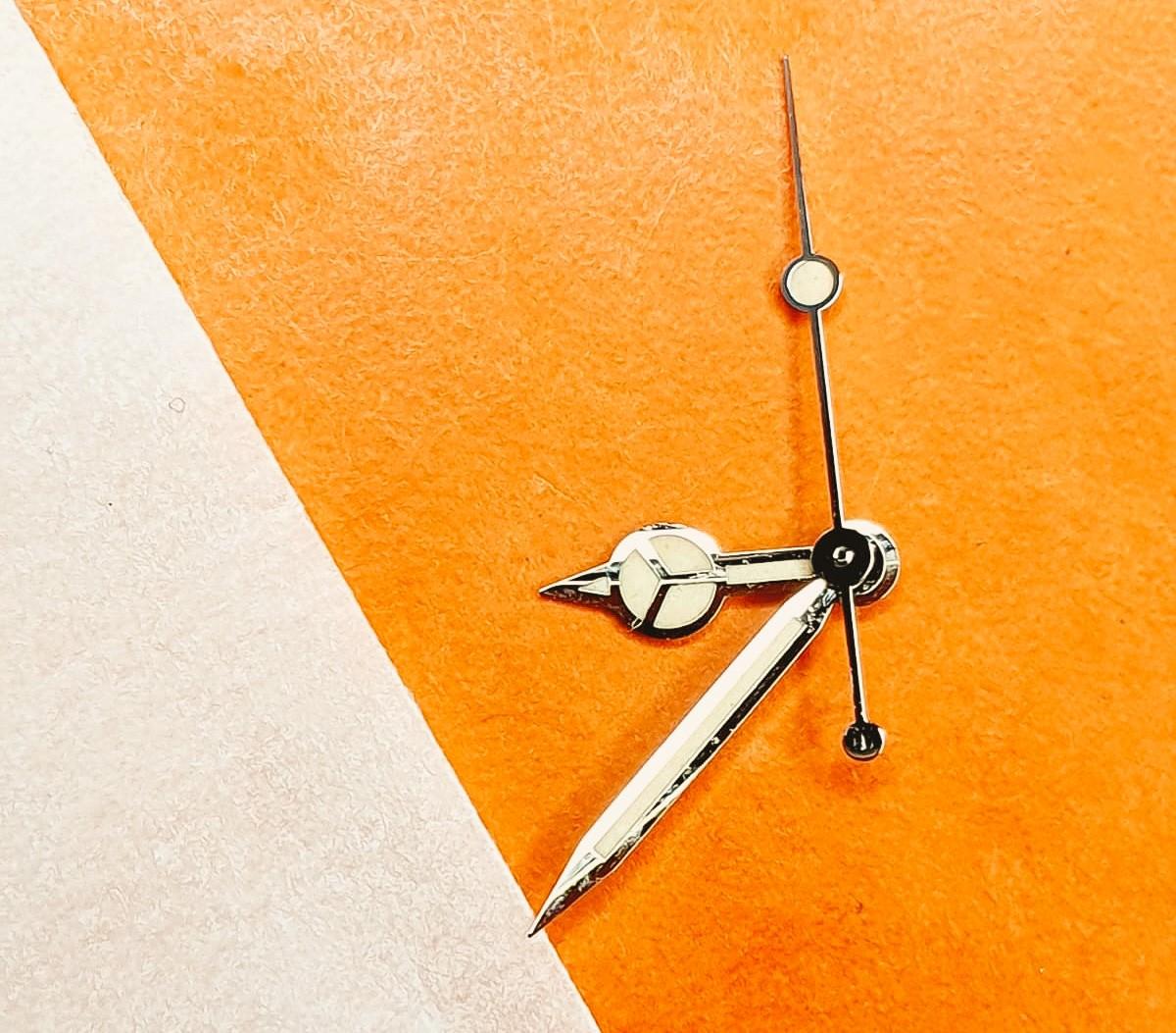 ROLEX CREAM COLOR ORIGINAL SUBMARINER 1680, SEA-DWELLER 1665 TRITIUM HANDSET WATCH MERCEDES Cal 1570,1530