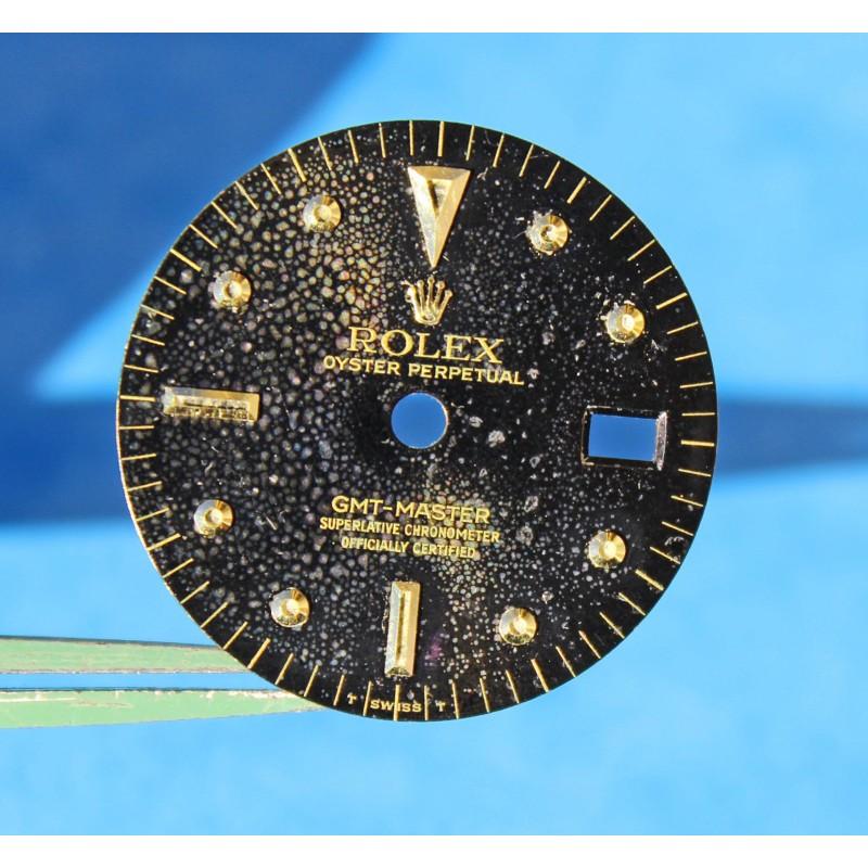 VINTAGE ROLEX BUBBLE GMT MASTER 1675/3 1675/8 CADRAN OR NOIR NIPPLE DIAL BEYELER GENEVE cal 1575 patiné